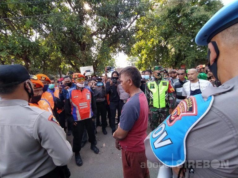 Penertiban Aset PT KAI Daop 3 Cirebon Diwarnai Penolakan Warga