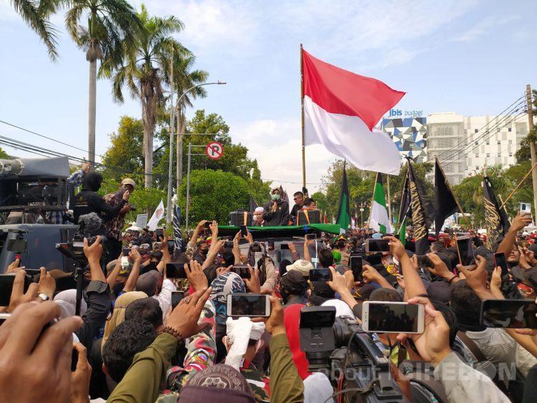 Ribuan Massa Datangi DPRD Kota Cirebon Tolak RUU HIP
