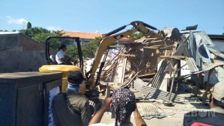 Pemkab Cirebon Bongkar Bangunan yang Dijadikan Tempat Prostitusi