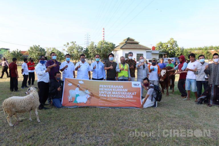 Cirebon Power Bagikan 65 Ekor Hewan Kurban untuk Masyarakat