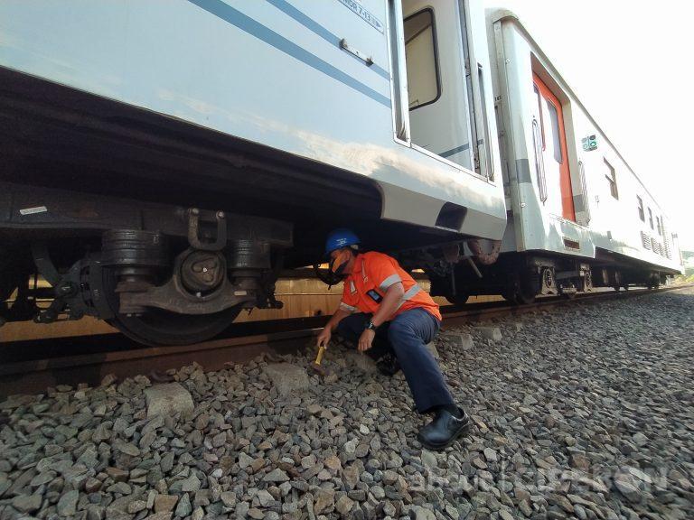 Selama Masa Pandemi, Perawatan Kereta di Daop 3 Cirebon Tetap Berjalan
