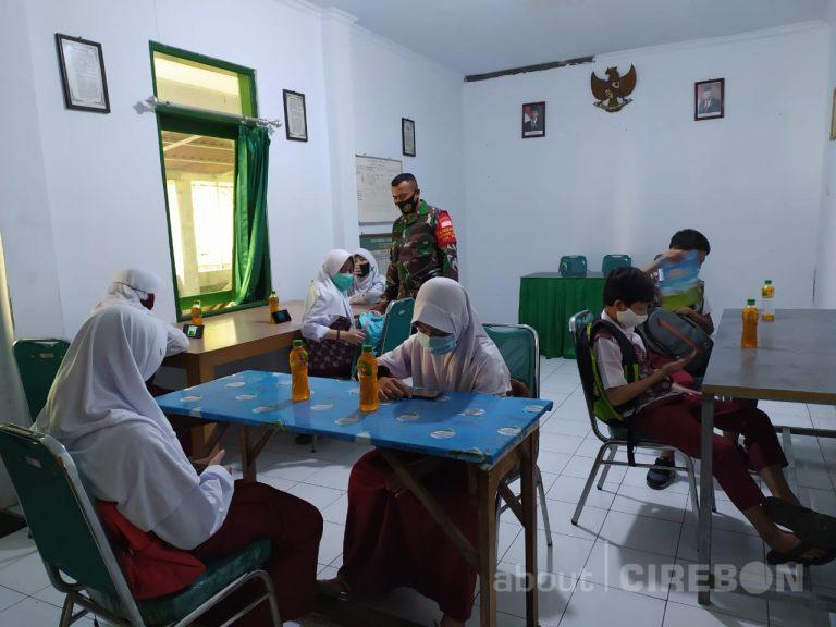 TNI di Kota Cirebon Beri Akses Internet Gratis Untuk Pelajar