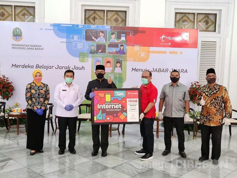 Telkomsel Berikan 3,2 Juta Kartu Internet Merdeka Belajar Untuk Pelajar di Jawa Barat