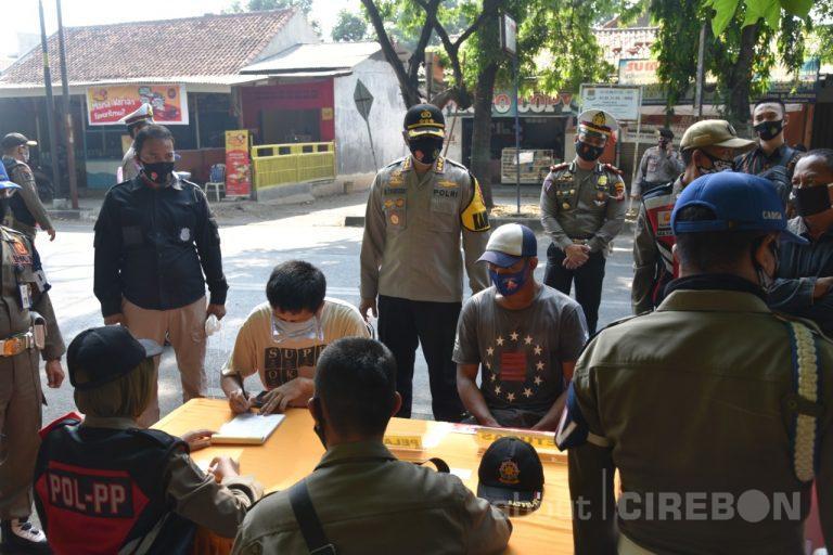Razia Masker, Petugas Gabungan di Kabupaten Cirebon Dapatkan Banyak Pelanggar