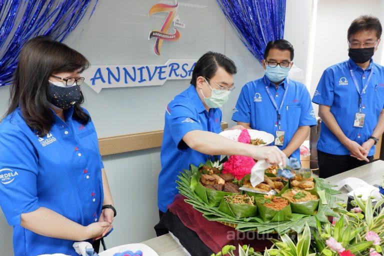 Rayakan Anniversary Ke-7 Tahun, Omega Hotel Management Berbagi Berkah Untuk Karyawan Yang Terkena Dampak Pandemi
