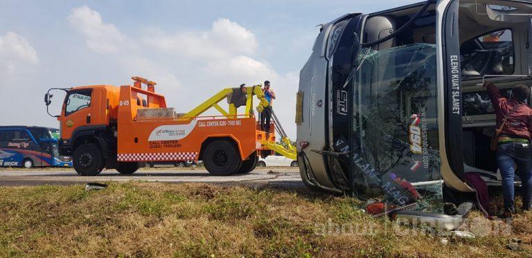 Kecelakaan Tunggal di Cipali KM 177, Seorang Penumpang Meninggal Dunia