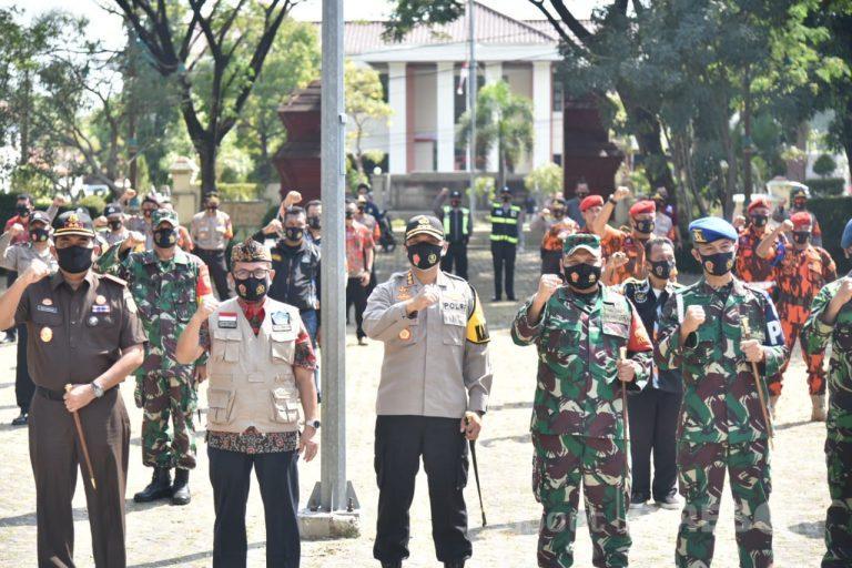 Forkopimda Kabupaten Cirebon Bagikan 2,5 Juta Masker Hingga ke Pelosok Desa