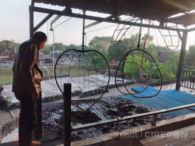 Wahana Permainan di Goa Sunyaragi Dibakar Orang, Ini Kata Pengelola