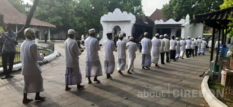 Jelang Maulid Nabi Muhammad, Keraton Kasepuhan Gelar Tradisi Siraman Panjang dan Buka Bekasem