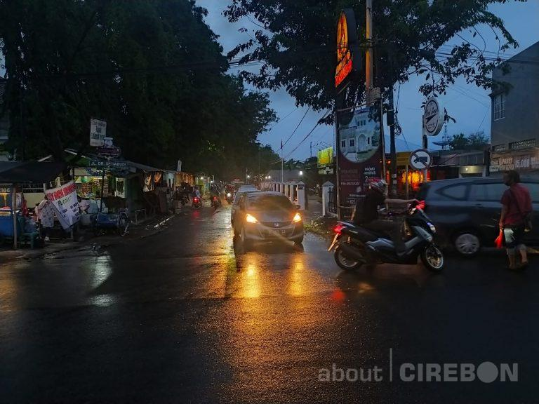 Kadishub Kota Cirebon Akui Terjadi Penumpukan Kendaraan Akibat Pengalihan Arus