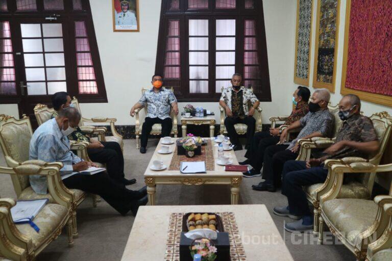 Walikota Cirebon Minta Kenaikan UMK Kota Cirebon Tahun 2021 Lebih Tinggi dari Kabupaten Lainnya
