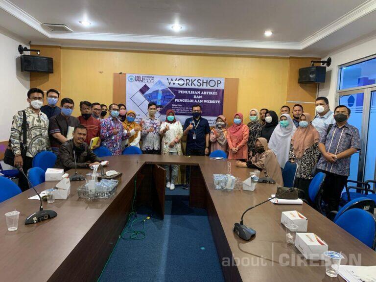 UGJ Undang Jurnalis Nasional Isi Workshop Penulisan Artikel dan Pengelolaan Website