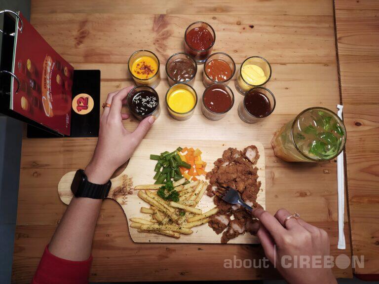 Kandang Ayam Hadir di Cirebon, Tawarkan Menu Olahan Ayam dan Pilihan Sauce