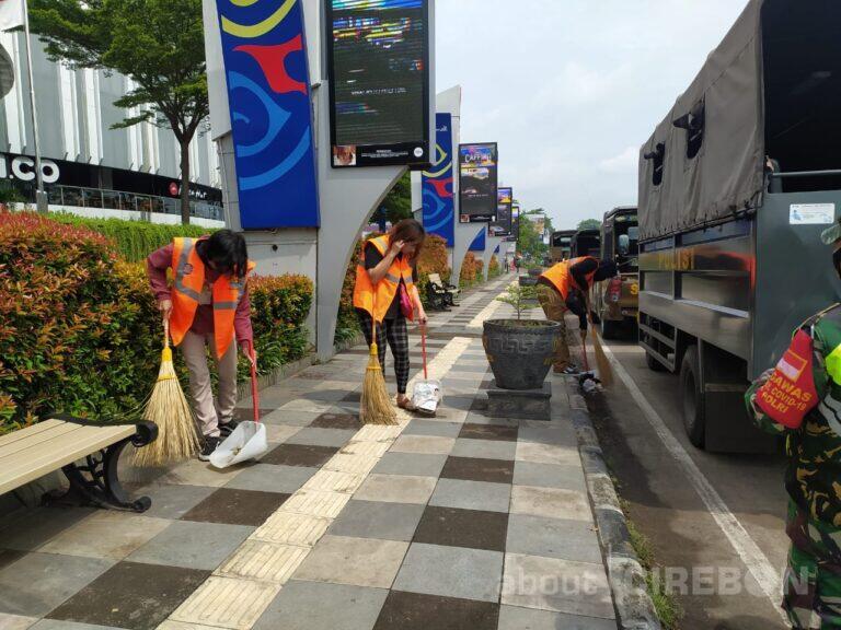Pelanggar Protokol Kesehatan di Kota Cirebon Kenakan Rompi Orange
