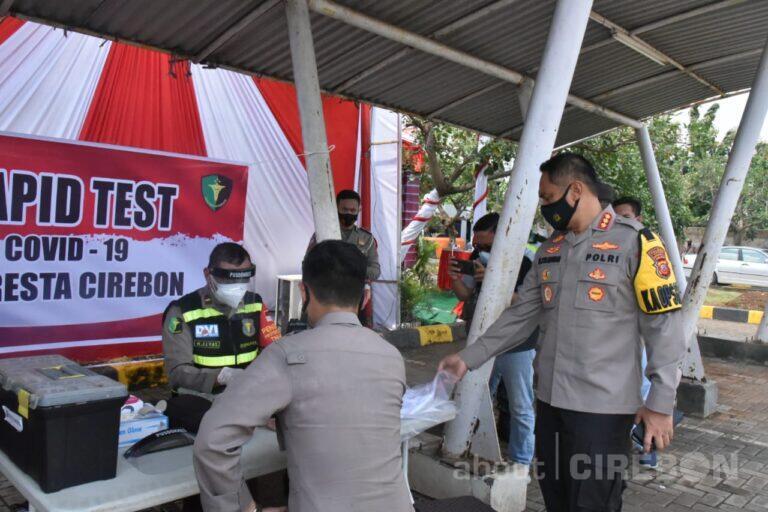 Personel yang Terlibat Operasi Lilin Lodaya Polresta Cirebon Lakukan Rapid Test