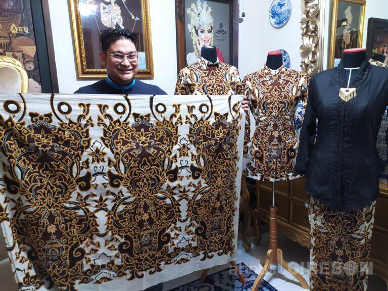 AR'Q by Arief Rachmanto Dipercaya Menjadi Desainer Batik Mande Praja Caruban