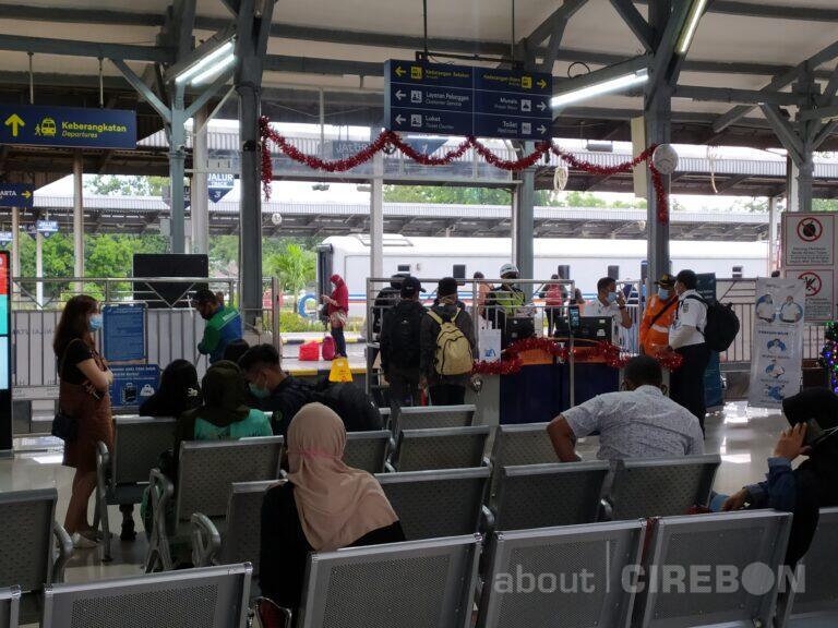Hingga 24 Desember 2020, 15.330 Penumpang KA Berangkat dari Daop 3 Cirebon