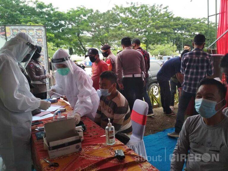 Cegah Penyebaran Covid-19, Polresta Cirebon Lakukan Pemeriksaan Rapid Test Antigen
