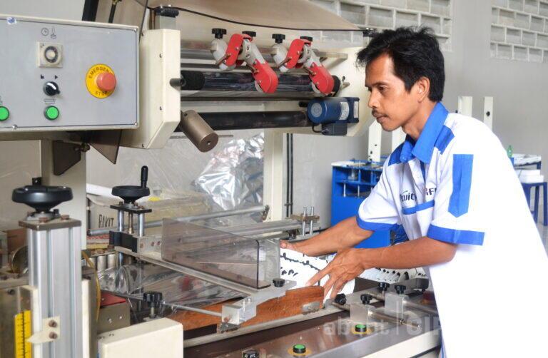 Proyeksi Produsen Slipper Cirebon Menyambut   Kebangkitan Industri Pariwisata Indonesia Tahun 2021