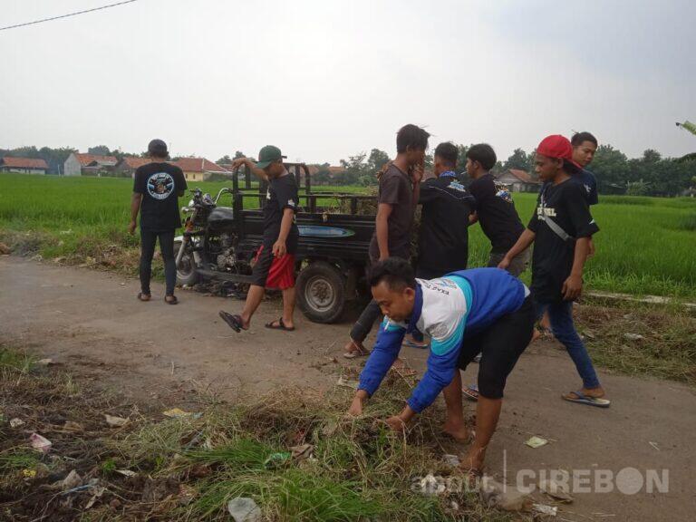 Masyarakat Adakan Bersih-bersih Menuju Akses Jalan Wisata Keramat Talun