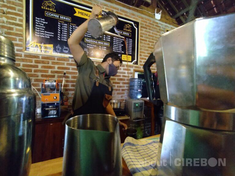 Kopi Tarik, Minuman Andalan di Saung Kopi Gowes