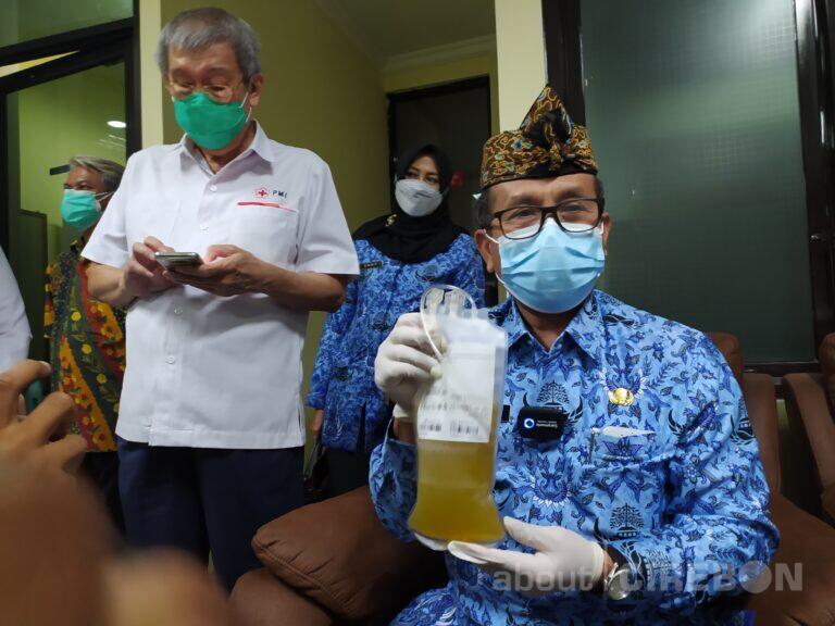 Sembuh dari Covid-19, Bupati Cirebon Donor Plasma Darah