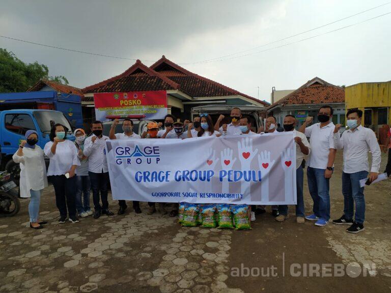 Grage Group Salurkan Bantuan untuk Korban Angin Puting Beliung di Desa Slangit 