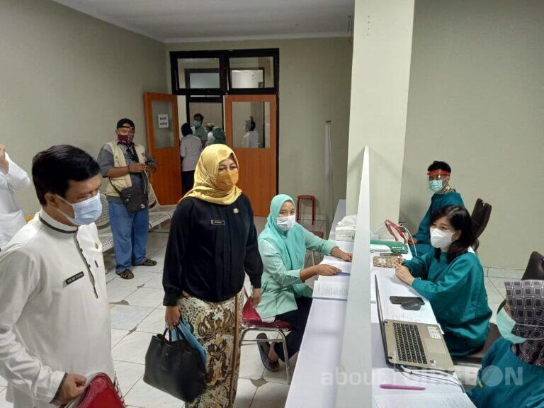 2.097 Tenaga Kesehatan di Kabupaten Cirebon Sudah Terima Vaksin Covid-19