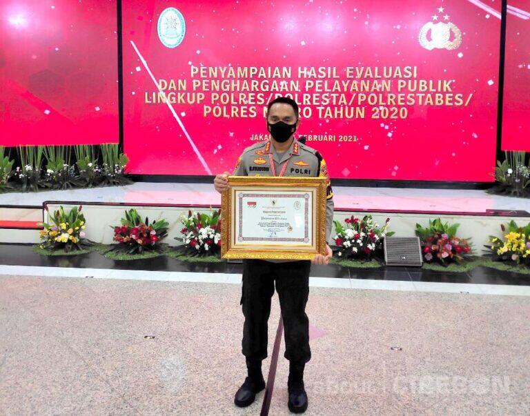 Polresta Cirebon Terima Penghargaan Pelayanan Prima dari Kementerian PANRB