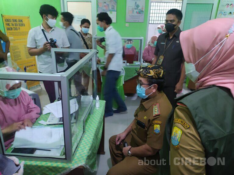 Bupati Cirebon Gagal Divaksin, Ini Sebabnya
