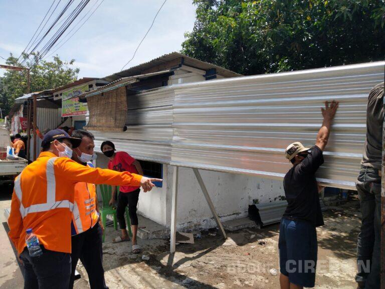 PT KAI Daop 3 Cirebon Tertibkan Aset Rumah Perusahaan di Jalan Ampera