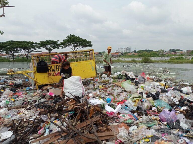 Komisi II DPRD Kota Cirebon Usulkan Reklamasi Pantai Dengan Sampah