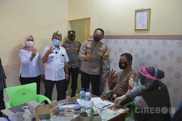 Hari Ketiga, 899 Personel Polresta Cirebon Sudah Divaksinasi Covid-19