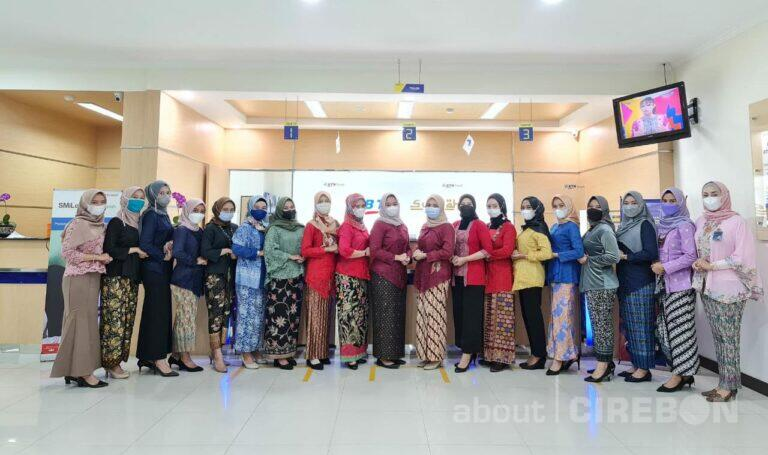 Peringati Hari Kartini, Srikandi Bank BTN Syariah Tampil dengan Berkebaya