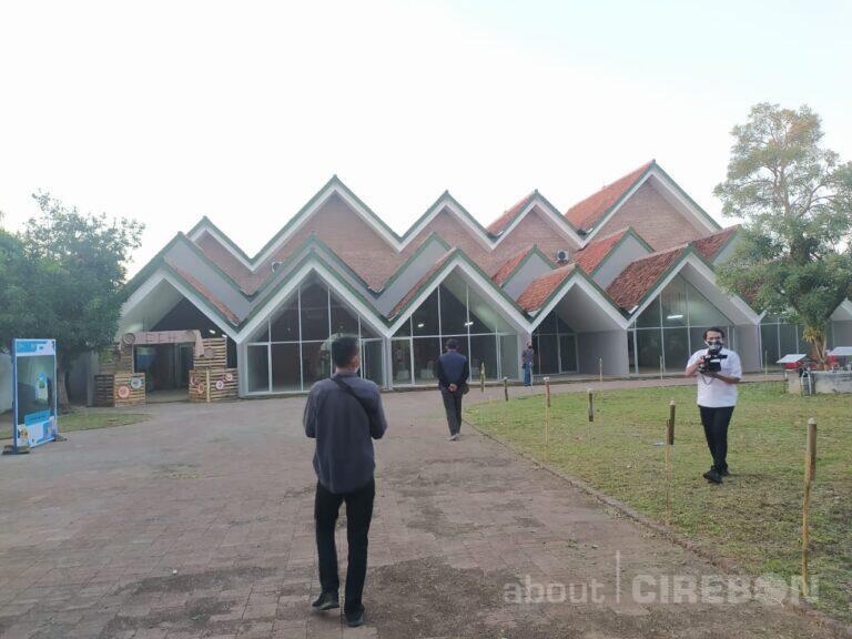 Kang Emil Beri Nama Gedung Creative Center Menjadi Ruang Kreatif Ahmad Djuhara