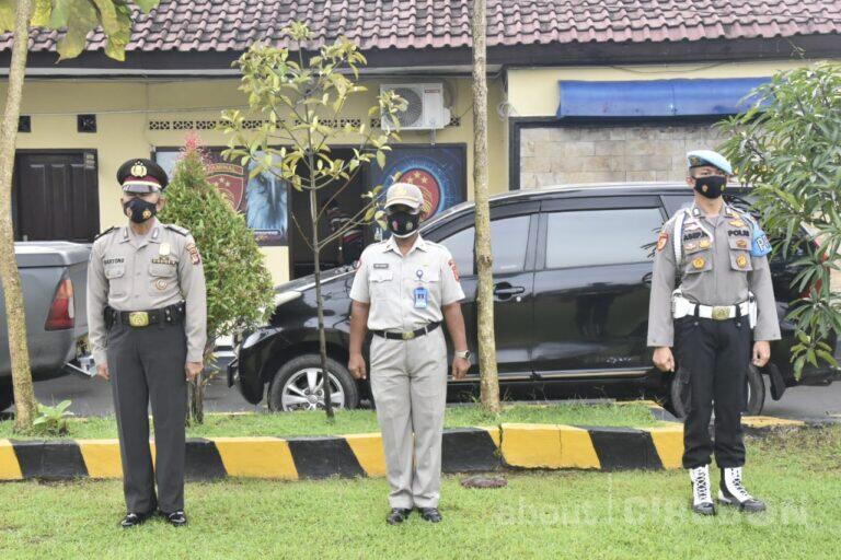 Personel dan ASN Polresta Cirebon Mendapat Kenaikan Pangkat Pengabdian