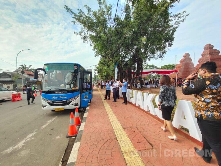 Selama Dua Minggu, Naik BRT Trans Cirebon Gratis