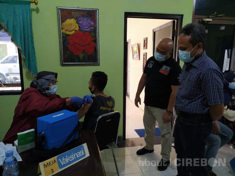 Anggota Asrenamigas dan Kadin Kota Cirebon Jalani Vaksinasi Dosis Kedua