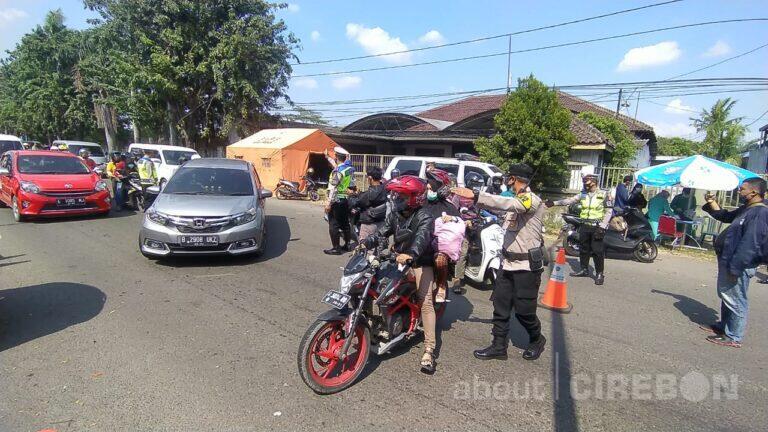 Arus Balik, Satlantas Polres Cirebon Kota Lakukan Penyekatan