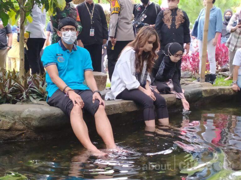 Sosialisasi Desa Wisata, Sandiaga Uno Kunjungi Desa Cibuntu Bersama Cinta Laura