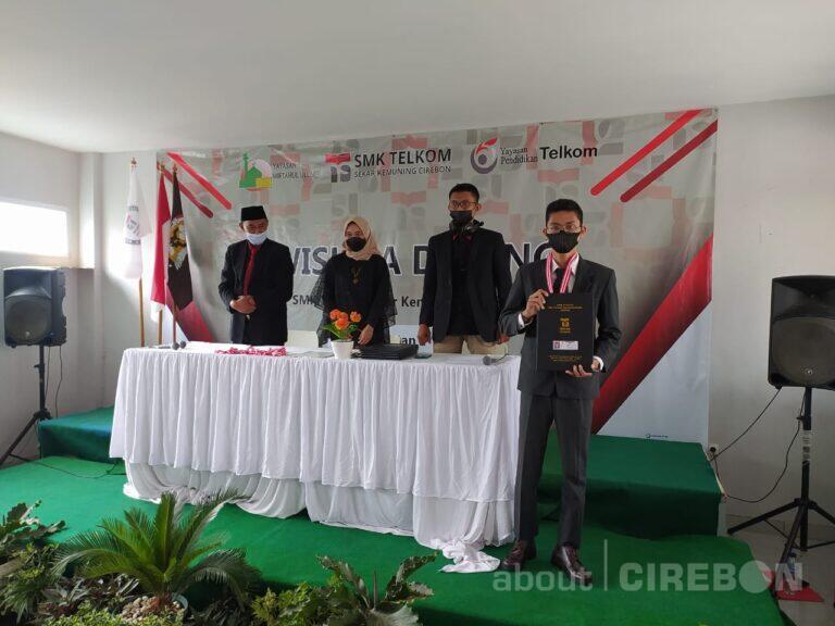 SMK Telkom Sekar Kemuning Cirebon Gelar Wisuda Angkatan Pertama Secara Daring