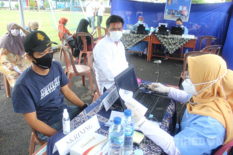 Sukseskan Program Pemerintah, AKMI Suaka Bahari Cirebon Jalani Vaksinasi