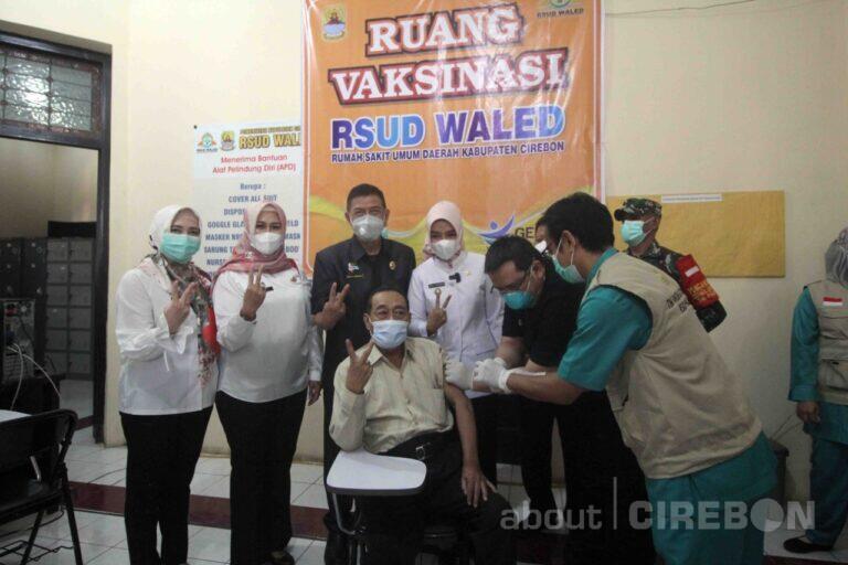 Peringati Hari Lansia, Pemkab Cirebon Berikan Vaksin Covid-19 ke Kelompok Masyarakat Lanjut Usia