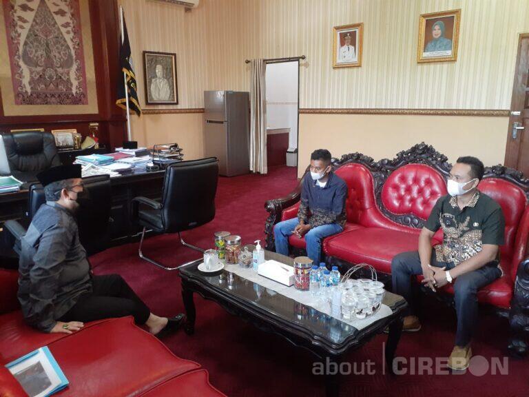 Kuli Bangunan yang Viral Asal Kapetakan Dapat Bantuan Renovasi Rumah dari Bupati Cirebon
