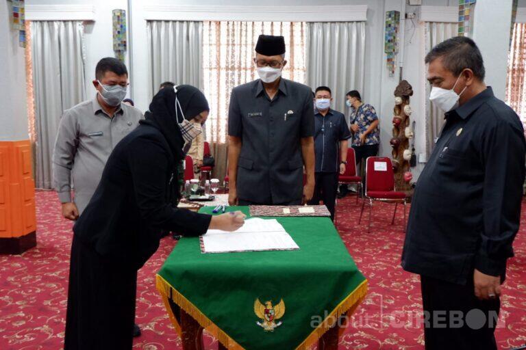 Wali Kota Cirebon Lantik 41 Pejabat Eselon II, III, dan IV
