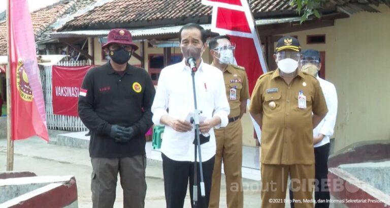 Kunjungi Kota Cirebon, Jokowi Apresiasi Program Vaksinasi Door to Door