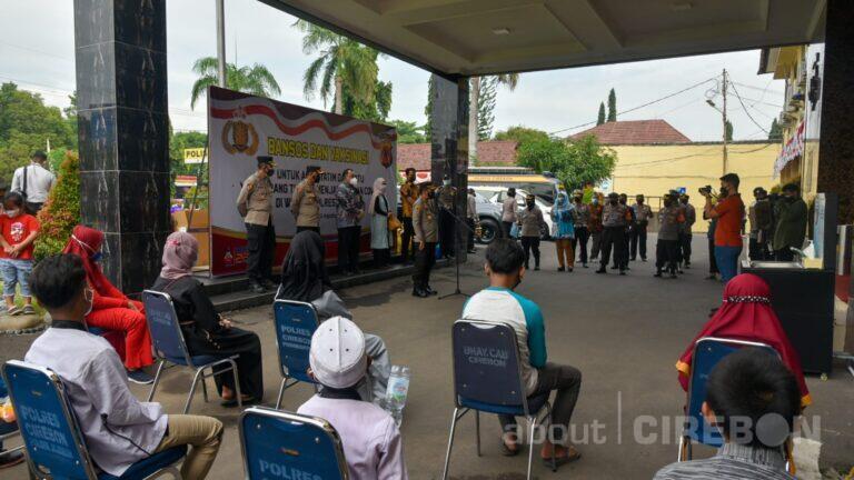 Polresta Cirebon Gelar Baksos dan Vaksinasi Covid-19 kepada Anak Yatim Piatu