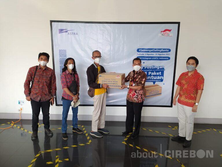 Semangat Saling Bantu Astra Group Wilayah Cirebon Salurkan 300 Paket Sembako
