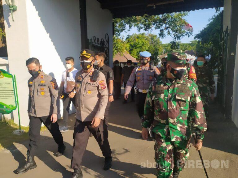 TNI – Polri Berjaga untuk Jaga Kondusivitas di Keraton Kasepuhan Cirebon