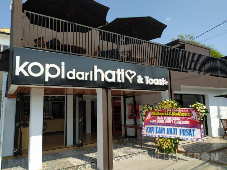 Kopi Dari Hati & Toast Cirebon Tawarkan Tempat Nyaman, Indoor dan Outdoor